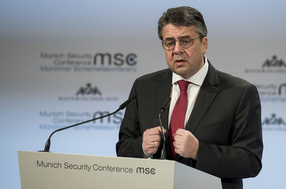"""Scanpix""/AP nuotr./Sigmaras Gabrielis Miuncheno saugumo konferencijoje"