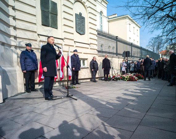 """AFP/""""Scanpix"""" nuotr./Lenkijos prezidentas A.Duda atsiprašė žydų už 1968-ųjų persekiojimą"""