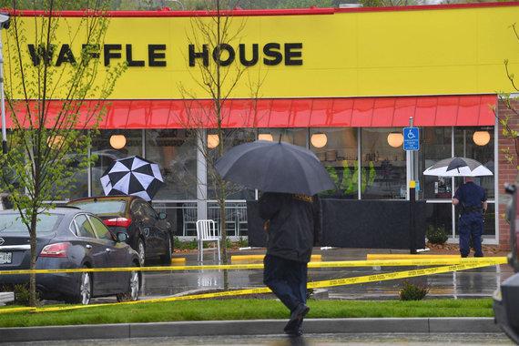 """AFP/""""Scanpix"""" nuotr./Travisas Reinkingas šaudė restorane """"Waffle House"""""""