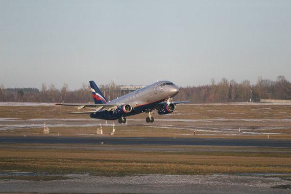 """""""Scanpix"""" nuotr./""""Sukhoi"""" orlaivis Vilniaus oro uoste"""