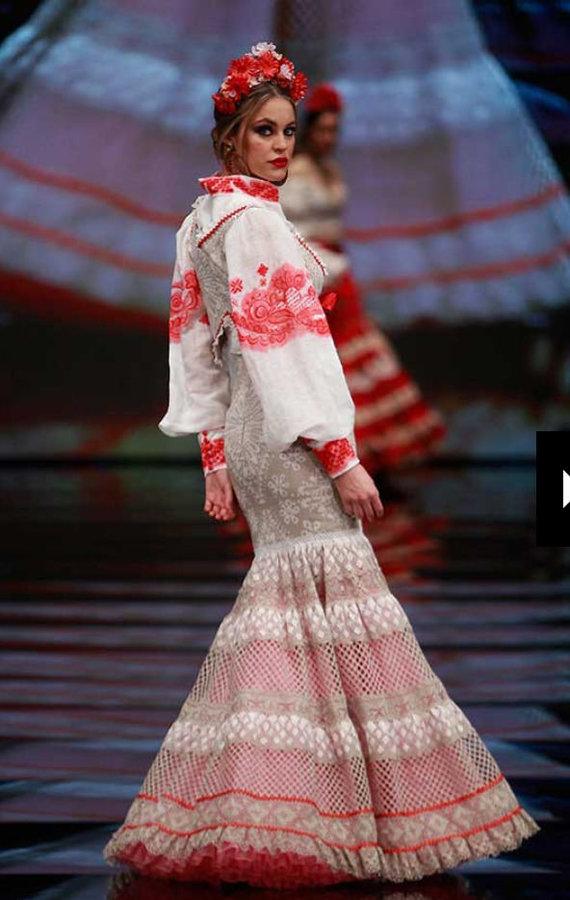 Asmeninio albumo nuotr./Rimos išpiešta Flamenko suknelė