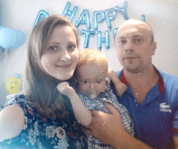 Asmeninio albumo nuotr./Gabrielius su tėvais
