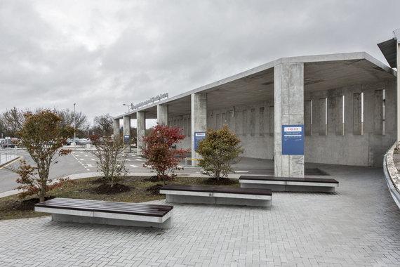 LAS nuotr./Autobusų stotis Vilniaus oro uoste