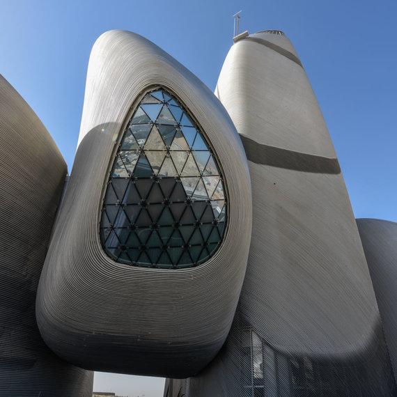"""""""Snøhetta""""/Karaliaus Abdulazizo pasaulio kultūros centras Saudo Arabijoje"""