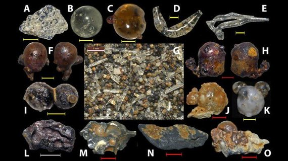 Paplūdimiuose aplink Hirošimą – išlydyto stiklo rutuliukų gausa