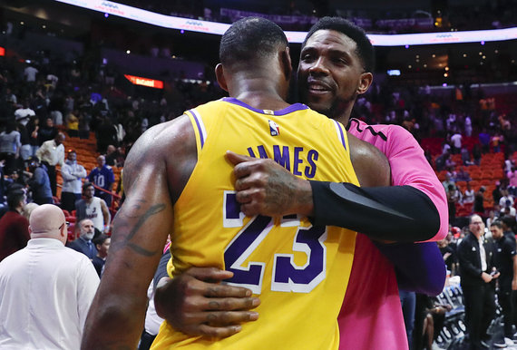 """""""Scanpix"""" nuotr./L.Jamesas pelnė 51 tašką, o """"Lakers"""" įveikė """"Miami Heat"""" komandą."""