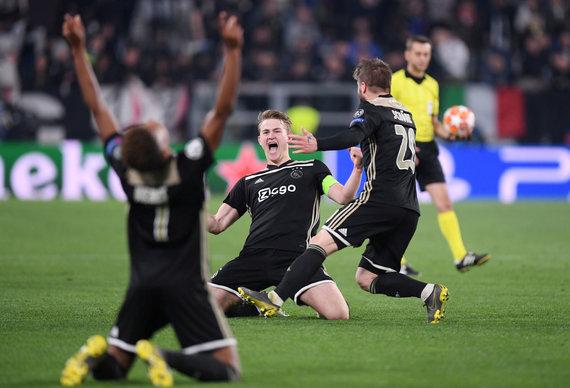 """""""Scanpix"""" nuotr./Matthijsas de Ligtas pelnė įvartį, o Amsterdamo """"Ajax"""" pateko į Čempionų lygos pusfinalį."""