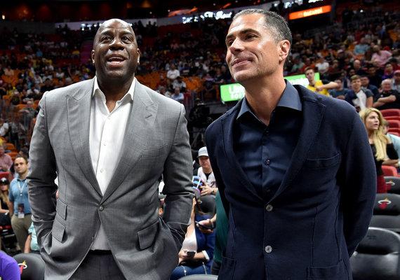 """""""Scanpix"""" nuotr./""""Los Angeles Lakers"""" vadovas Robas Pelinka sulaukė Magico Johnsono priekaištų."""