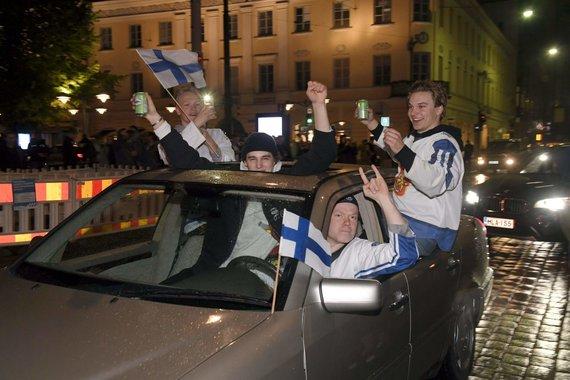 """""""Scanpix"""" nuotr./Šventė Suomijoje – šalies ledo ritulininkai tapo pasaulio čempionais."""
