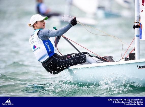 Sailing energy nuotr./Pasaulio taurės varžybose Japonijoje bangos siekė du metrus.