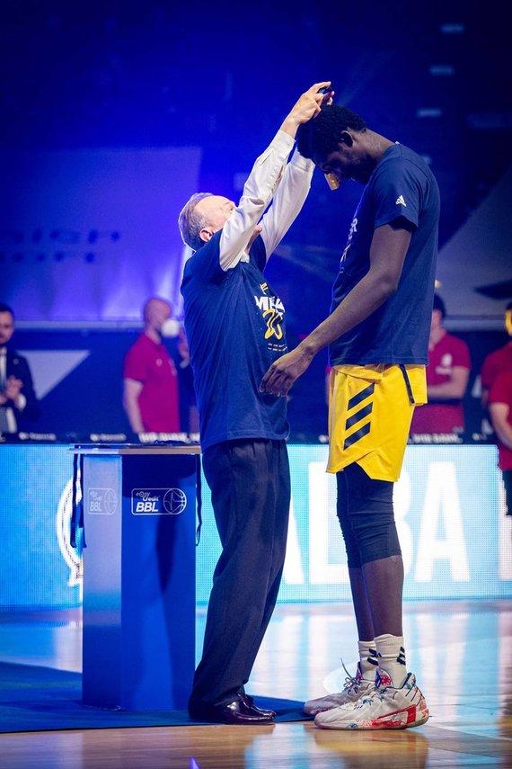 """""""Scanpix"""" nuotr./223 cm ūgio Christas Koumadje iš ALBA klubo šį sezoną aukščiausias Eurolygos žaidėjas."""