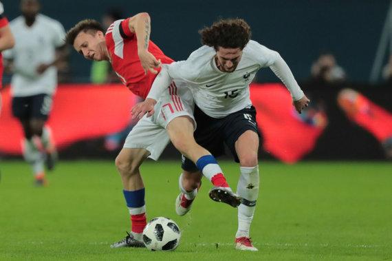 """""""Scanpix"""" nuotr./Rusijos futbolo rinktinės žaidimas stringa."""