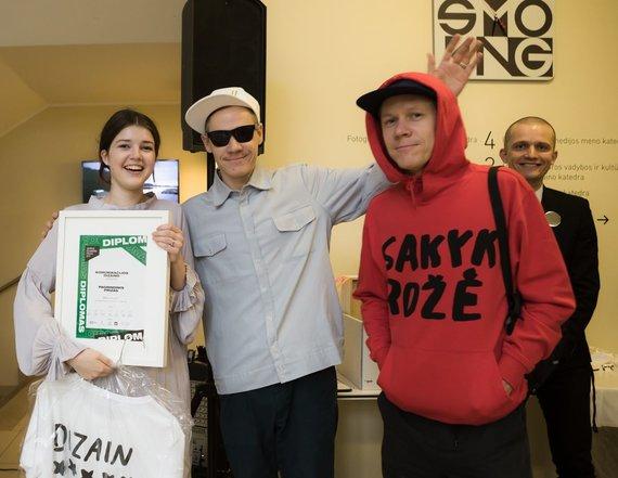 """Projekto partnerio nuotr./Milda Šiulytė už projektą """"Mintys ir refleksijos Ease"""" apdovanota """"Jaunojo dizainerio prizu"""""""