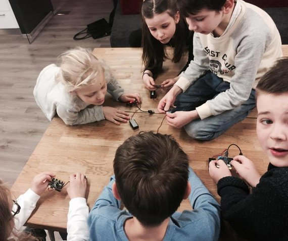 Projekto partnerio nuotr./Vaikai mokosi programuoti