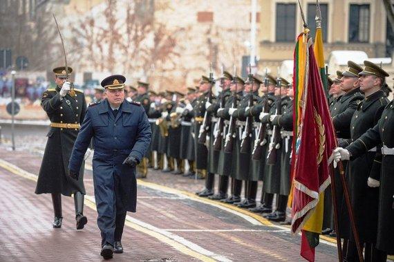 KAM nuotr./Į atsargą išlydėtas generolas majoras Edvardas Mažeikis