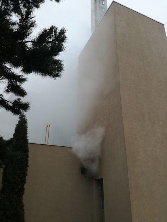 Vilniaus apskrities priešgaisrinės gelbėjimo valdybos nuotr./Uždūminta Palangos reabilitacijos ligoninė