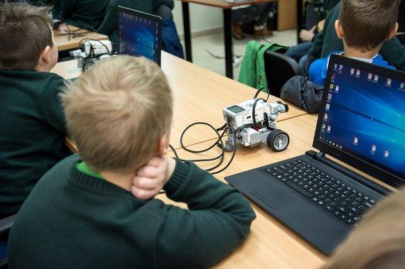 Projekto partnerio nuotr./Robotika Panevėžyje
