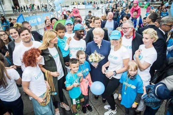 Projekto partnerio nuotr./UNICEF vaikų bėgimo ambasadorių gretose – Airinė Palšytė, Marija Grabštaitė ir Tomas Kaukėnas