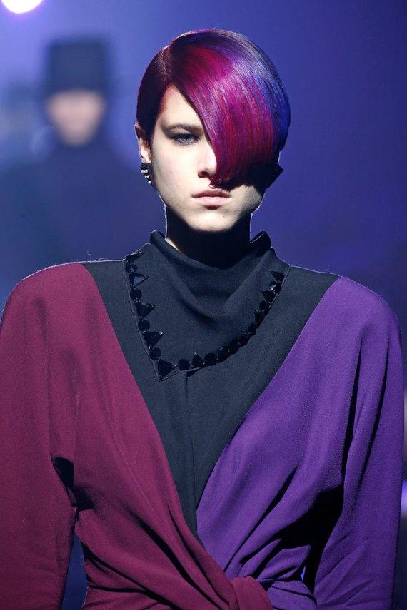 "Vida Press nuotr./""Marc Jacobs"" 2018–2019 m. rudens ir žiemos kolekcijos modelis"