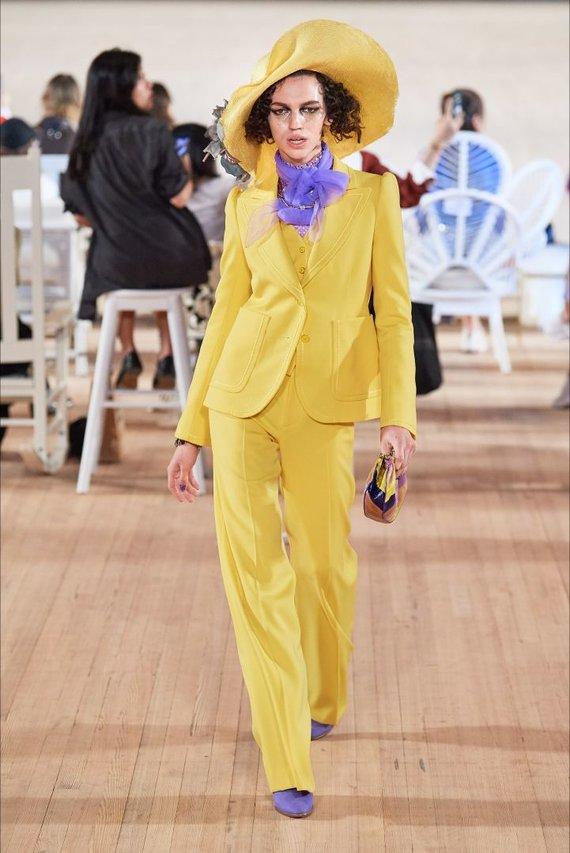 """Vida Press nuotr./""""Marc Jacobs"""" 2020 m. pavasario ir vasaros kolekcijos modelis"""