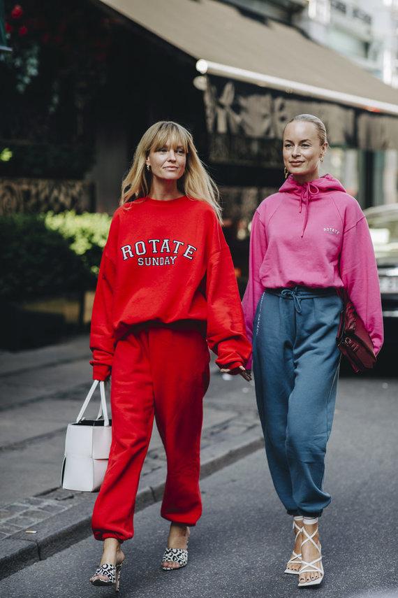 Vida Press nuotr./Gatvės stilius: Jeanette Friis Madsen ir Thora Valdimars