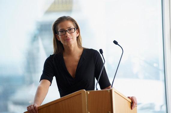 123RF.com nuotr./Moteris sako kalbą