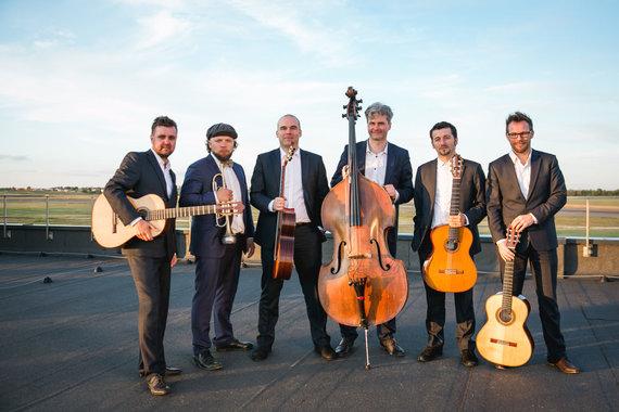Baltijos gitarų kvarteto nuotr./Iš kairės: S.Krinicinas, S.Petreikis, Z.Čepulėnas, V.Nivinskas, S.S.Lipčius, Ch.Ruebensas