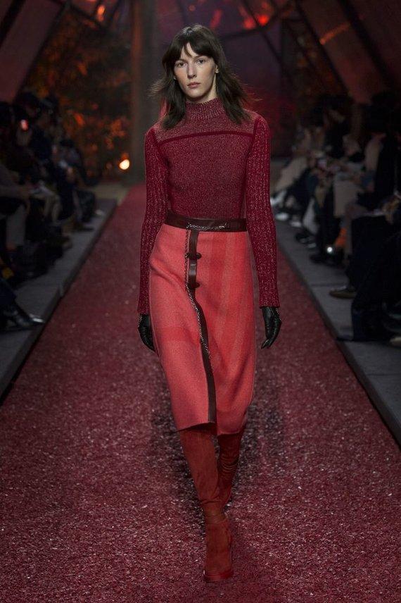 """""""Scanpix""""/ """"Sipapress"""" nuotr./""""Hermès"""" 2018–2019 m. rudens ir žiemos kolekcijos modelis"""