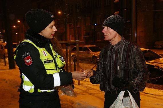 Aliaus Koroliovo / 15min nuotr./Prevencinę priemonę kartu su policijos kapelionu
