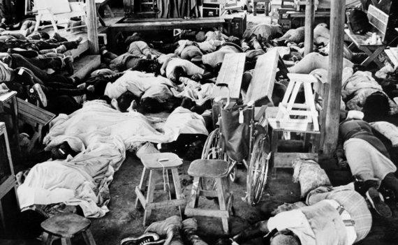 """AFP/""""Scanpix"""" nuotr./1978 m. lapkričio 19 d. nuotrauka – vienas iš dramatiškiausių masinių savižudybių atvejų istorijoje"""