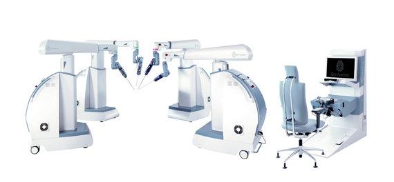 """Transenterix nuotr./""""Senhance"""" robotinė chirurginė sistema"""