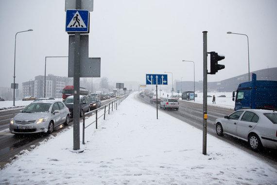 Žygimanto Gedvilos / 15min nuotr./Sutrikęs eismas Ozo gatvėje Vilniuje