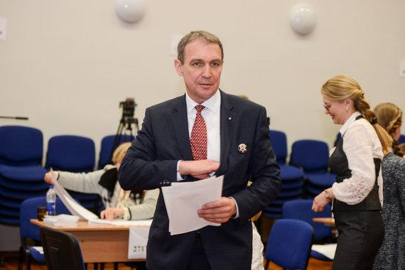 Karolio Bakūno nuotr./Arvydas Juozaitis balsavo Prezidento rinkimuose