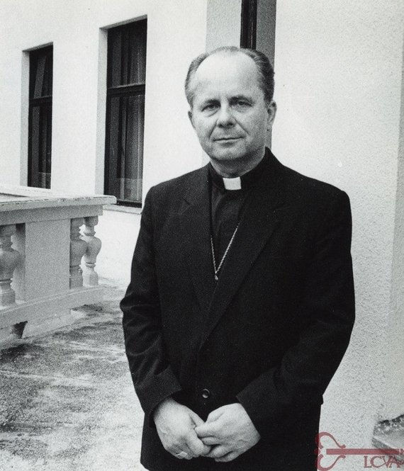 Lietuvos ypatingojo archyvo nuotr./Vyskupas Sigitas Tamkevičius. Kaunas. [1991 m.] Aleksandro Kairio nuotrauka