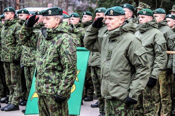"""Gr. Monikos Zabinaitės nuotr./""""Žemaitijos"""" brigados vadas plk. Artūras Radvilas (kairėje)"""
