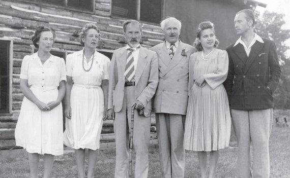 Pirmaisis Lietuvos Prezidentas Antanas Smetona su artimaisiais JAV (1942 m.)
