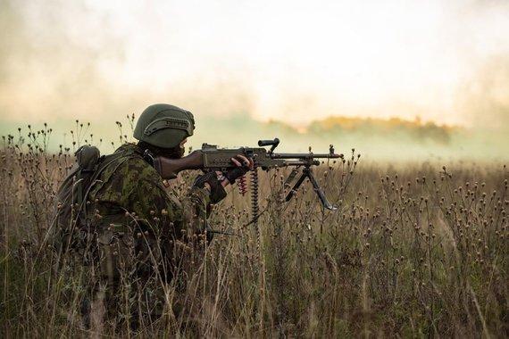 """Beno Haulenbeeko nuotr./Lietuvos kariai dalyvauja pratybose Vokietijoje, brigadai """"Geležinis Vilkas"""" – NATO testas"""