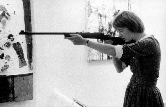 Organizatorių nuotr./Niki de Saint Phalle šaudo