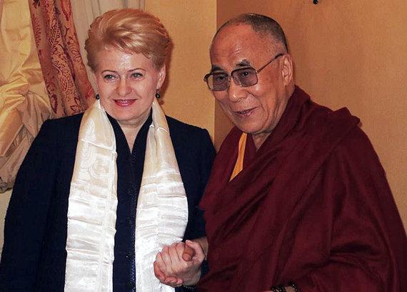 """AFP/""""Scanpix"""" nuotr./Dalia Grybauskaitė ir Dalai Lama"""