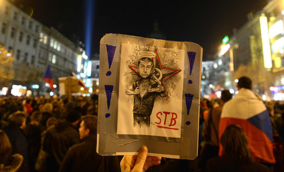 "AFP/""Scanpix"" nuotr./Protestas prieš Andreju Babišą Prahoje"