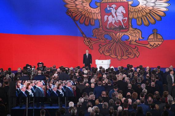 """""""Sputnik"""" nuotr./Vladimiras Putinas po metinio pranešimo"""