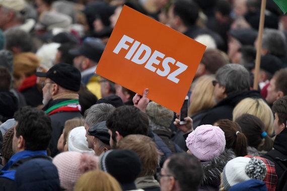"""AFP/""""Scanpix"""" nuotr./""""Fidesz"""" rėmėjai"""