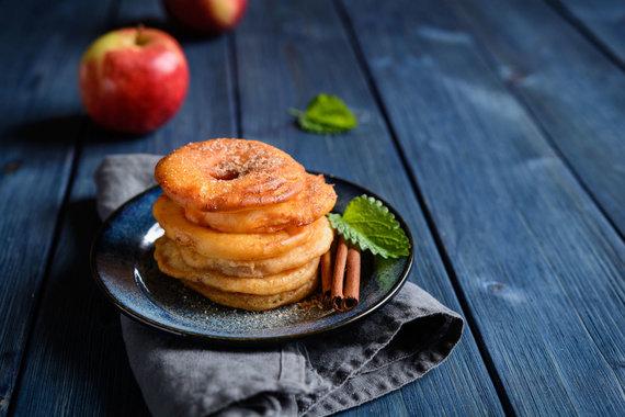 123RF.com nuotr./Kepti obuoliai, kiniški desertai