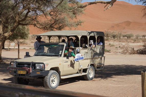 """Kelionių organizatoriaus """"GRŪDA"""" nuotr./Keliautojai Namibijoje"""
