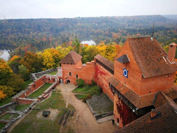 """Kelionių organizatoriaus """"GRŪDA"""" nuotr./Turaidos pilis, Latvija"""