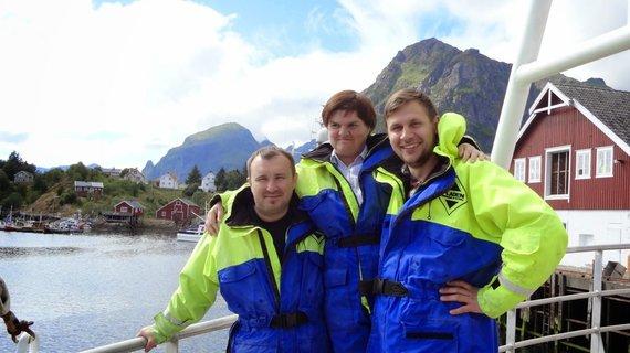 """Kelionių organizatoriaus """"GRŪDA"""" nuotr./""""GRŪDOS"""" keliautojai vyksta į žvejybą"""