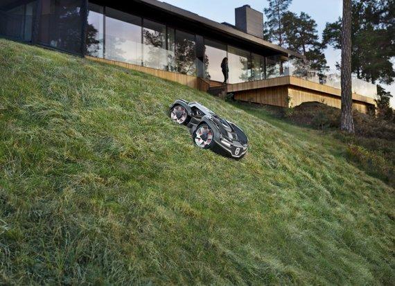 """Organizatorių nuotr./Naujasis """"Husqvarna"""" žolės pjovimo robotas Automower 435X AWD"""