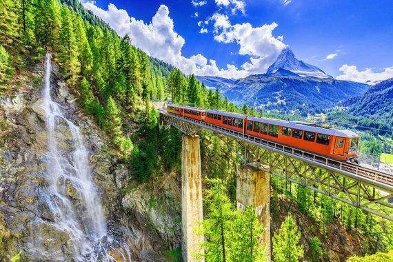 """Kelionių organizatoriaus """"GRŪDA"""" nuotr./Šveicariški keliai, Cermatas, Šveicarija"""
