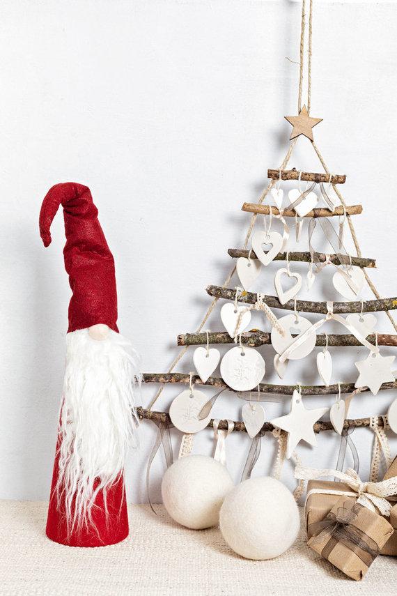 123RF.com nuotr./Alternatyvi stilizuota kalėdinė eglutė