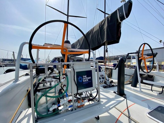 """""""Ambersail-2"""" komandos nuotr./Mokslinė įranga jachtoje """"Ambersail-2"""""""